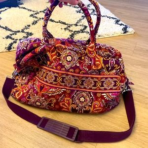 HP!🤩 Vera Bradley Duffle Bag